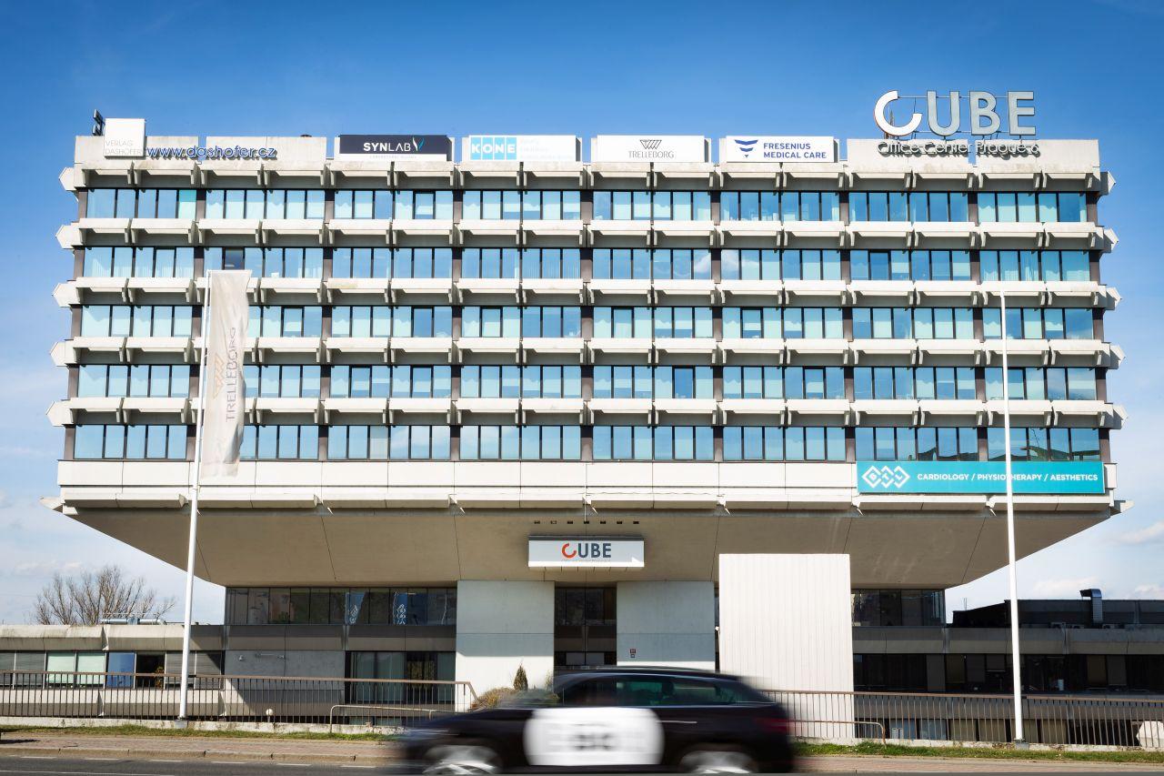 Budova CUBE - sídlo Verlag Dashöfer